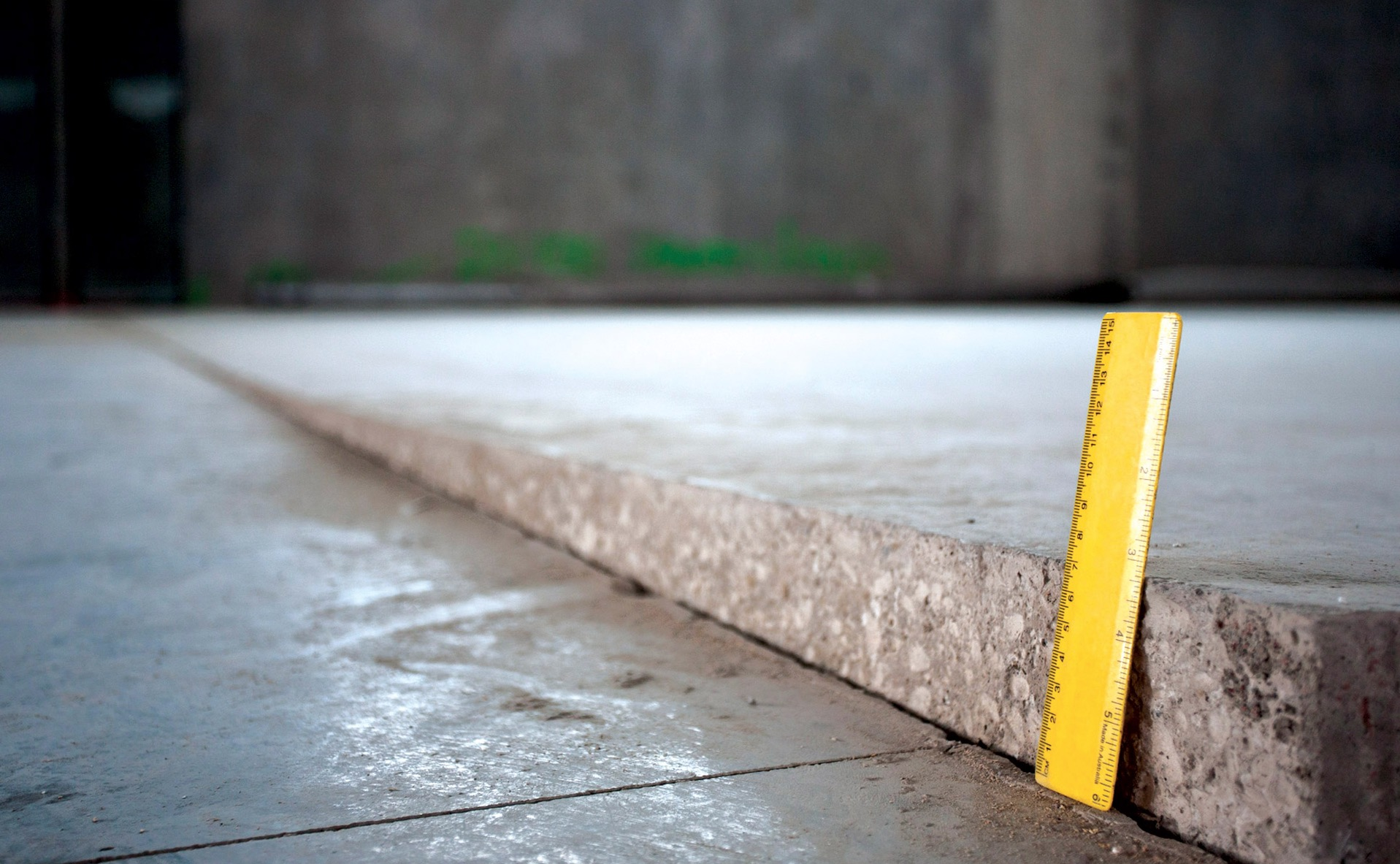 Ruler-slab-movement